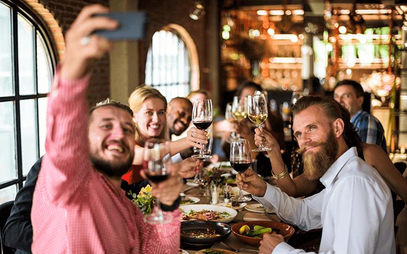 confraternização em restaurante - Marketing para restaurante