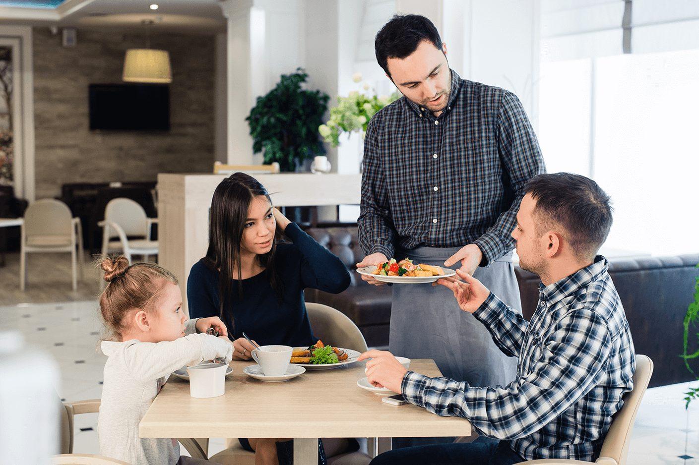 Treine seus funcionários para ajudar nas ações de Marketing - Marketing para Restaurante